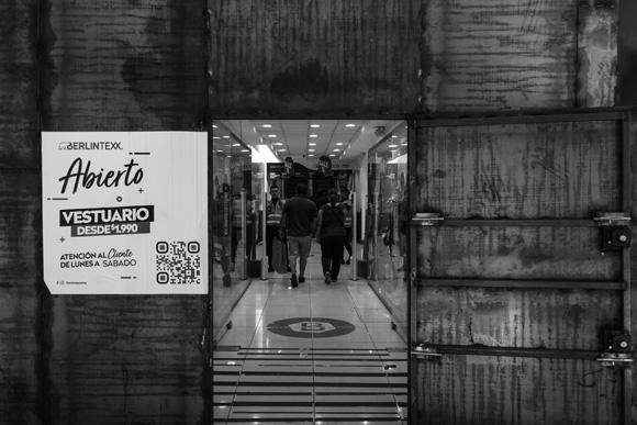 Modos de Habitar - Normalidad tras el blindaje - Nicolás Becerra