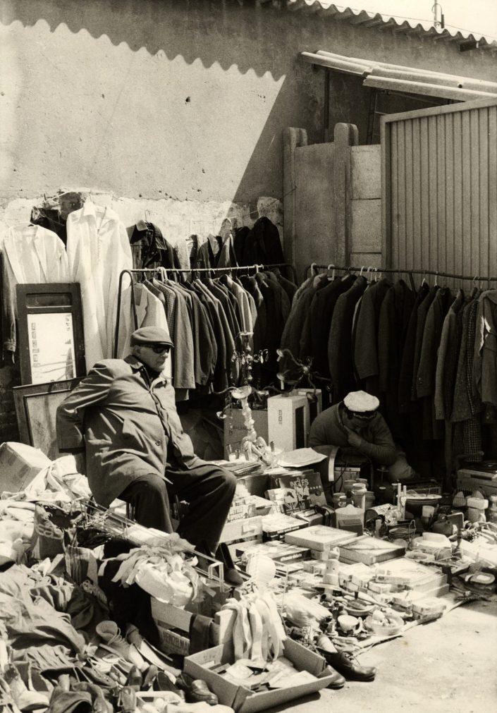 Waiting to Sell - Encants Vells (Barcelona. April 1989)