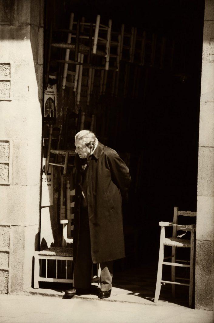 Selling Chairs - Plaça St. Josep Oriol (Barcelona. December 1991)