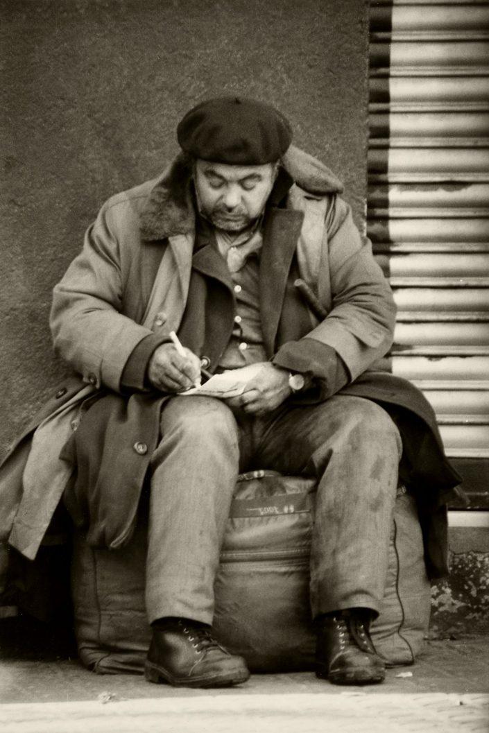 Writing Homeless - Hospital St. Pau (Barcelona. January 1993)