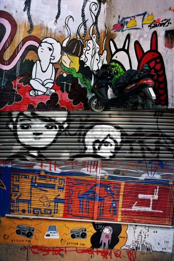 Lolo + B-toy :: Barcelona Street Art (Stencil Voices. 2003 - 2006)