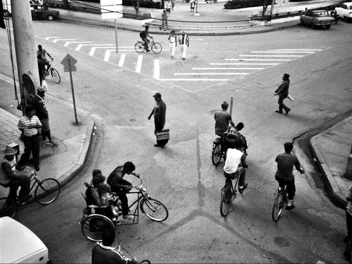 Trajín en Holguín. Cuba. 2004