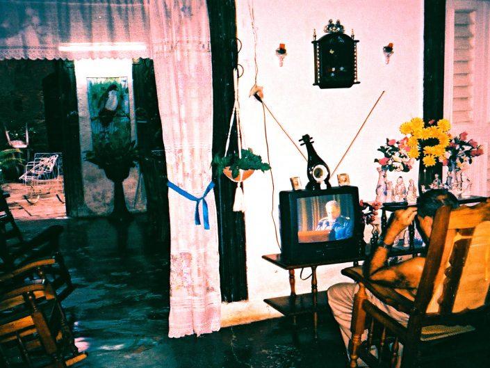Discurso de Fidel Castro en TV. Trinidad. Cuba. 2004